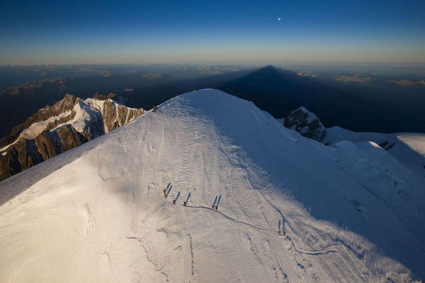 Cordée au sommet du Mont Blanc, Haute-Savoie (74)
