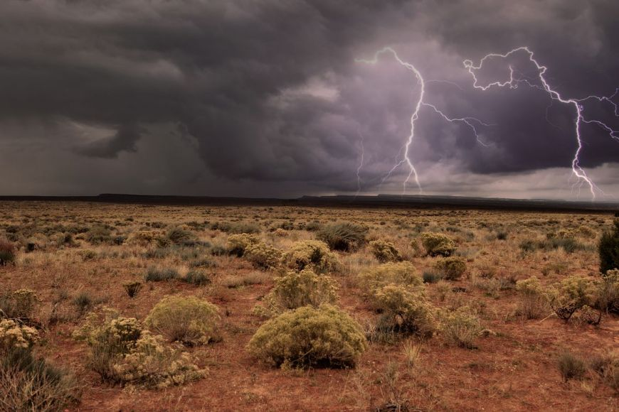 Storm, north of the Grand Canyon, Arizona, USA