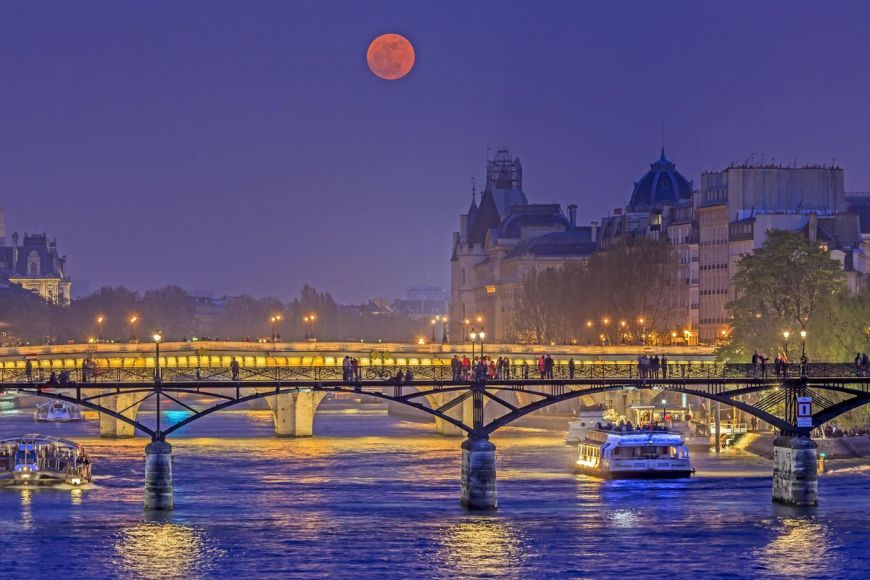 Passerelle des arts, Paris, France